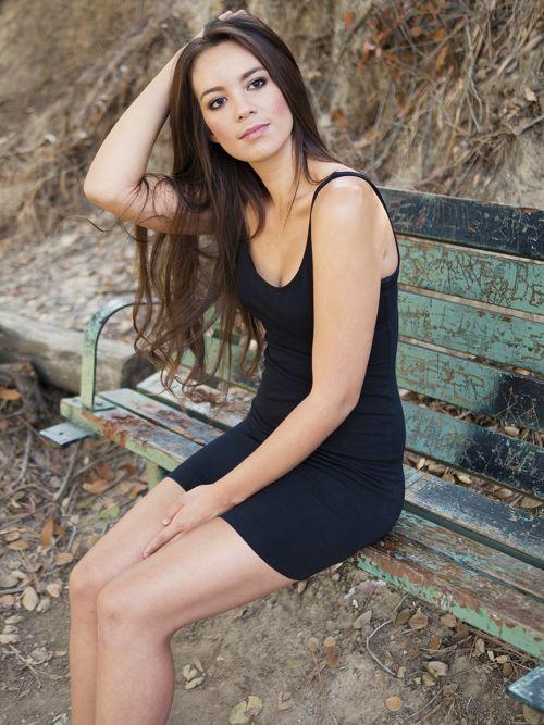 Petite robe noire parfaite pour le premier rendez-vous